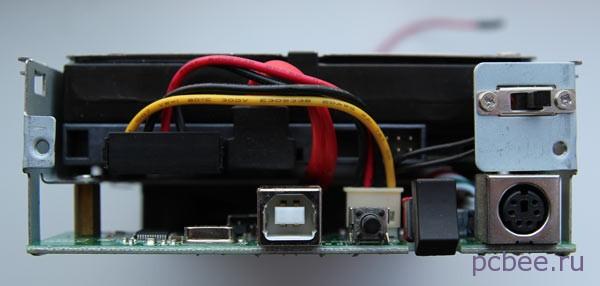 Подключаем разъем SATA и разъем питания HDD в боксе для жесткого диска