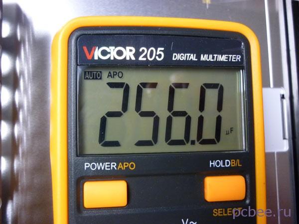 Фактическая ёмкость электролитического конденсатора составила 256 мкФ (микро фарад) при номинальной 1000 мкФ. Т.е. в 4 раза меньше номинала