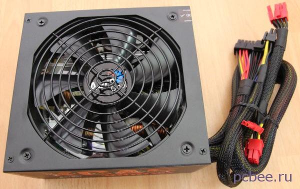 Вентилятор блока питания с наклейкой AeroCool