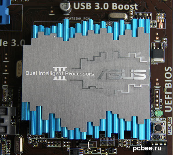 Охлаждение чипсета Intel Z77 Express осуществляется при помощи алюминиевого радиатора.
