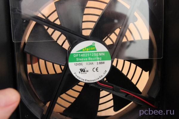 Блок питания охлаждается вентилятором DF1402512SEMN китайской фирмы Flyalpine Electronics Co.Ltd
