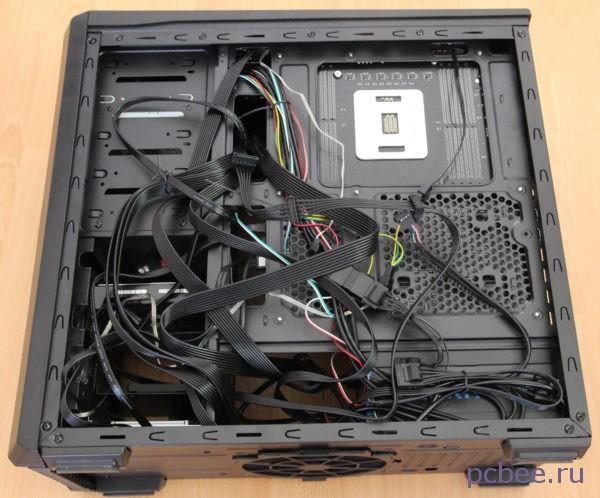Укладка кабелей в корпусе Zalman Miditower Z9 Plus